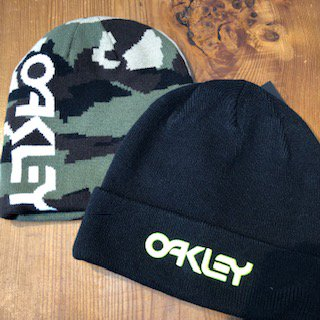 <img class='new_mark_img1' src='//img.shop-pro.jp/img/new/icons15.gif' style='border:none;display:inline;margin:0px;padding:0px;width:auto;' />【OAKLEY】ニットキャップ