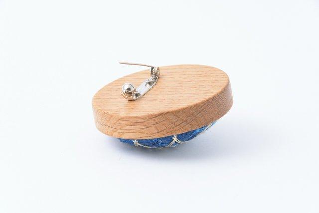 渡辺洋美 楢ベース藍染ブローチ 丸 約5×1.5cm