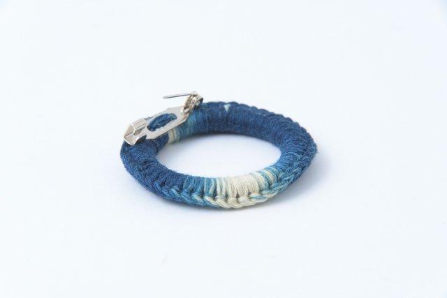 渡辺洋美 藍染リングブローチ1 約4.5×1cm