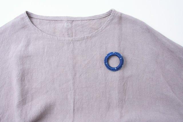 渡辺洋美 藍染リングブローチ4 約4.5×1cm
