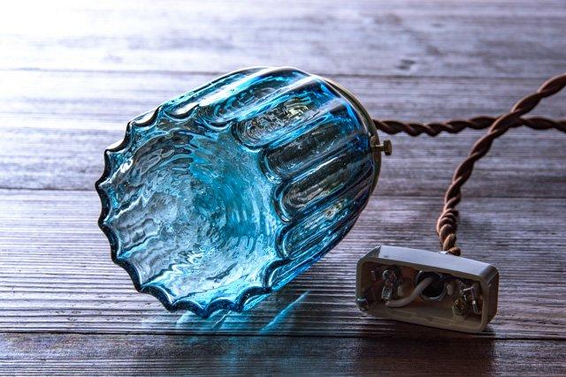安土草多 吹きガラス ペンダントライト 鳴門筒瓶 青透き被せ az-l26z1