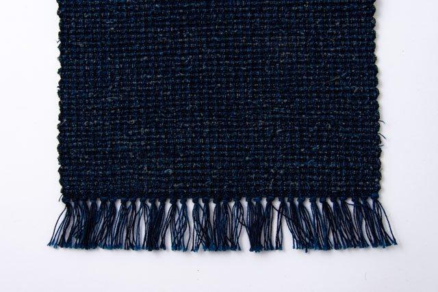 倉敷本染手織研究所 手織り布のテーブルランナー02