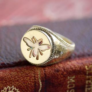 《THE LETTERS》SIGNET RING CIRCLE BEE  hummer brass