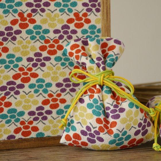 祝「令和」桐の飾り箱ときもの匂い袋セット