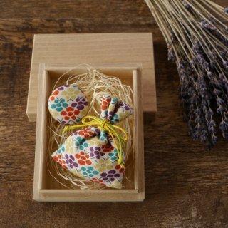 祝「令和」桐の小箱と匂い袋と缶バッジセット