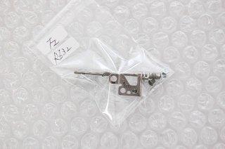 中古 東芝 dynabook R632 シリーズ 液晶ヒンジ金具(左)