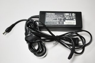 中古 東芝 純正 dynabook T772 シリーズ AC電源アダプター 15V-6.32A