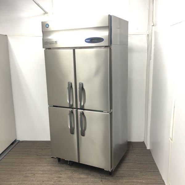 中古厨房機器入荷しました!ホシザキ縦型冷蔵庫です!
