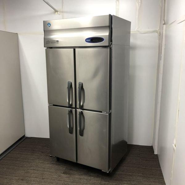 中古厨房機器入荷しました!縦型冷蔵庫です!