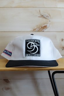 <img class='new_mark_img1' src='https://img.shop-pro.jp/img/new/icons14.gif' style='border:none;display:inline;margin:0px;padding:0px;width:auto;' />【DEAD STOCK】 Vintage Chicago White Sox Snapback Cap 90's MLB デッドストック メジャーリーグ