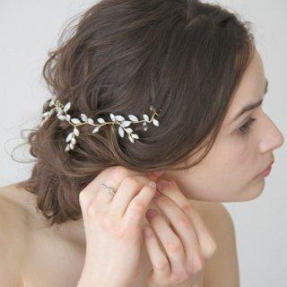 半貴石のヘッドアクセ、和装 成人式、乳白 水色カラー 【ネージュ冠】