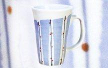 砥部焼◆大きなグリップのカップ■水引草