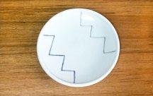 砥部焼◆玉線皿 (ジグザグ)