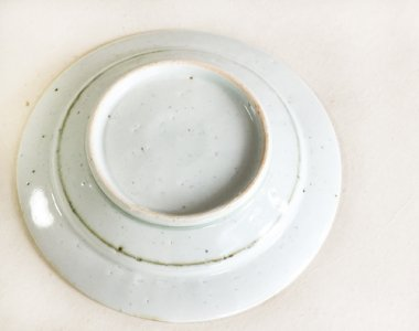 中田窯,外径22cm×高さ3.8cm,磁器 鉄入