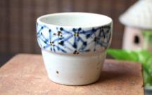 砥部焼◆ガーベラ柄の段々カップ
