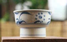 砥部焼◆太陽紋の高台小鉢