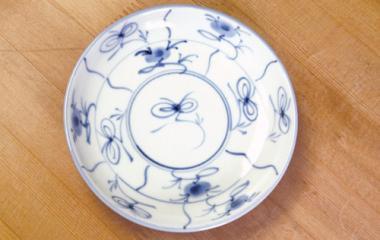 梅山窯,径約13.8cm×高約3cm,磁器