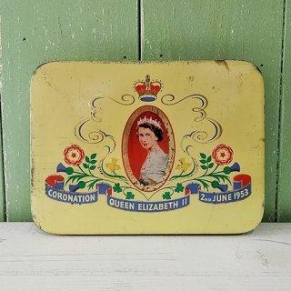 CADBURY「エリザベス女王 戴冠記念缶 クリーム色 1953年」