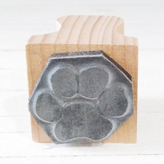 <img class='new_mark_img1' src='https://img.shop-pro.jp/img/new/icons12.gif' style='border:none;display:inline;margin:0px;padding:0px;width:auto;' />The English Stamp Company 「cat paw(ネコの足あと)」スタンプ