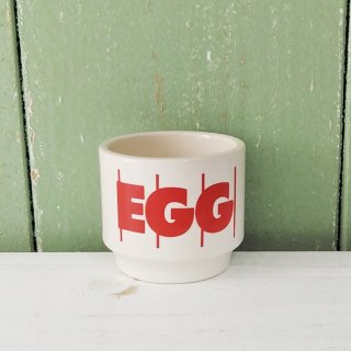 <img class='new_mark_img1' src='https://img.shop-pro.jp/img/new/icons12.gif' style='border:none;display:inline;margin:0px;padding:0px;width:auto;' />Hornsea 「Stripes Egg Cup(赤ストライプ)」