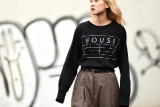 house of the very island's ルーズシルエットロゴカットソー black