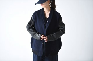 theSakaki Stadium Jumper navy/leather black