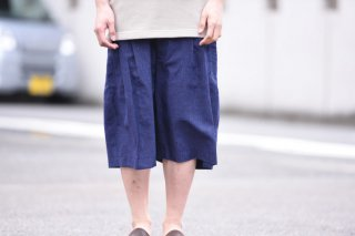 house of the very island's ルーズハーフタックパンツ dark blue