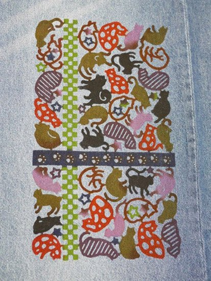 《販売終了》 巡MEGURU×紅若菜コラボ 紅型デニム着物 「猫と足跡」 Lady's 【紅型染め屋紅若菜】-
