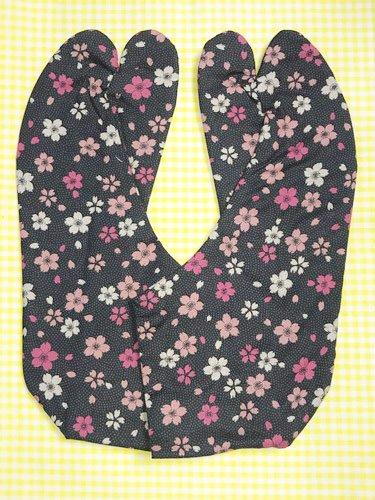 かわいい柄足袋 ☆☆☆☆☆ 4枚コハゼ 鮫小紋と桜 25.0 【新品】-1