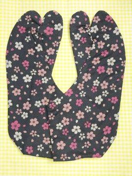 かわいい柄足袋 ☆☆☆☆☆ 4枚コハゼ 鮫小紋と桜 25.0 【新品】
