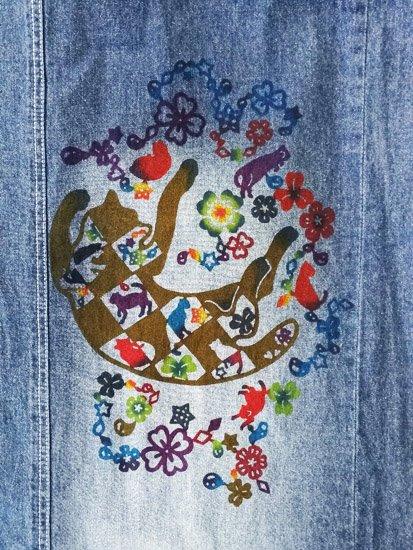 巡MEGURU×紅若菜コラボ 紅型デニム着物 「市松猫」 (70.5/158/47) 【紅型染め屋 紅若菜】-