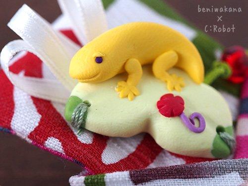 《販売終了》 「ブーゲンビリアにヤモリの貝の口クリップ」 ☆☆☆☆☆ 【C:Robotコヤナギアイコ】×【紅型染め屋紅若菜】 -