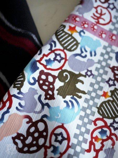 《販売終了》 ふだんきもの杏×紅若菜 コラボ半衿  「猫と足跡」 ☆☆☆☆☆ 【紅型染め屋 紅若菜】 -