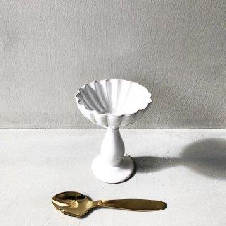 bloomingville pedestal white