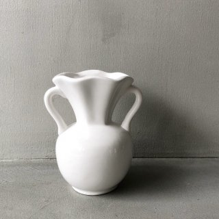 bloomingville  flowervase white  A
