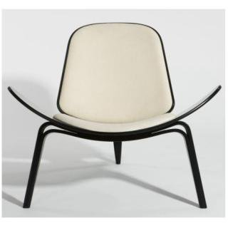 Three Legged Shell Chair by Hans J Wegner/ スリーレッグドチェアー by ハンス・J・ウェグナー