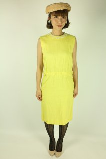 <img class='new_mark_img1' src='//img.shop-pro.jp/img/new/icons14.gif' style='border:none;display:inline;margin:0px;padding:0px;width:auto;' />1960's vintage beads dress yellow ワンピース antique