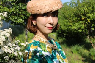 <img class='new_mark_img1' src='https://img.shop-pro.jp/img/new/icons14.gif' style='border:none;display:inline;margin:0px;padding:0px;width:auto;' />1960's vintage feather hat beige 帽子 ヘッドドレス antique 結婚式