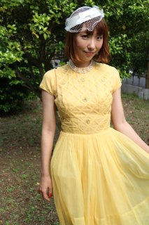 <img class='new_mark_img1' src='https://img.shop-pro.jp/img/new/icons14.gif' style='border:none;display:inline;margin:0px;padding:0px;width:auto;' />1950's vintage yellow dress アンティーク ドレス 衣装 結婚式 発表会