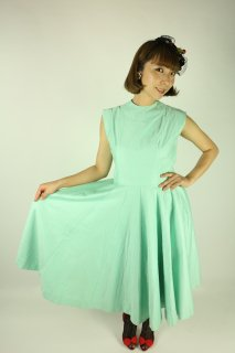 <img class='new_mark_img1' src='//img.shop-pro.jp/img/new/icons14.gif' style='border:none;display:inline;margin:0px;padding:0px;width:auto;' />1950's vintage dress ミントグリーン サーキュラースカート 50s ロカビリー  アンティーク