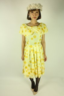 <img class='new_mark_img1' src='//img.shop-pro.jp/img/new/icons14.gif' style='border:none;display:inline;margin:0px;padding:0px;width:auto;' />1950's vintage yellow polka dot dress ワンピース 結婚式 ドレス gigi young