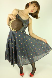 <img class='new_mark_img1' src='https://img.shop-pro.jp/img/new/icons14.gif' style='border:none;display:inline;margin:0px;padding:0px;width:auto;' />1950's vintage polka dot dress サーキュラースカート 水玉 ドット ワンピース