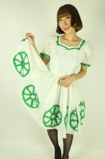 <img class='new_mark_img1' src='https://img.shop-pro.jp/img/new/icons14.gif' style='border:none;display:inline;margin:0px;padding:0px;width:auto;' />1950's vintage white&green dress パフスリーブ アンティーク ワンピース 衣装