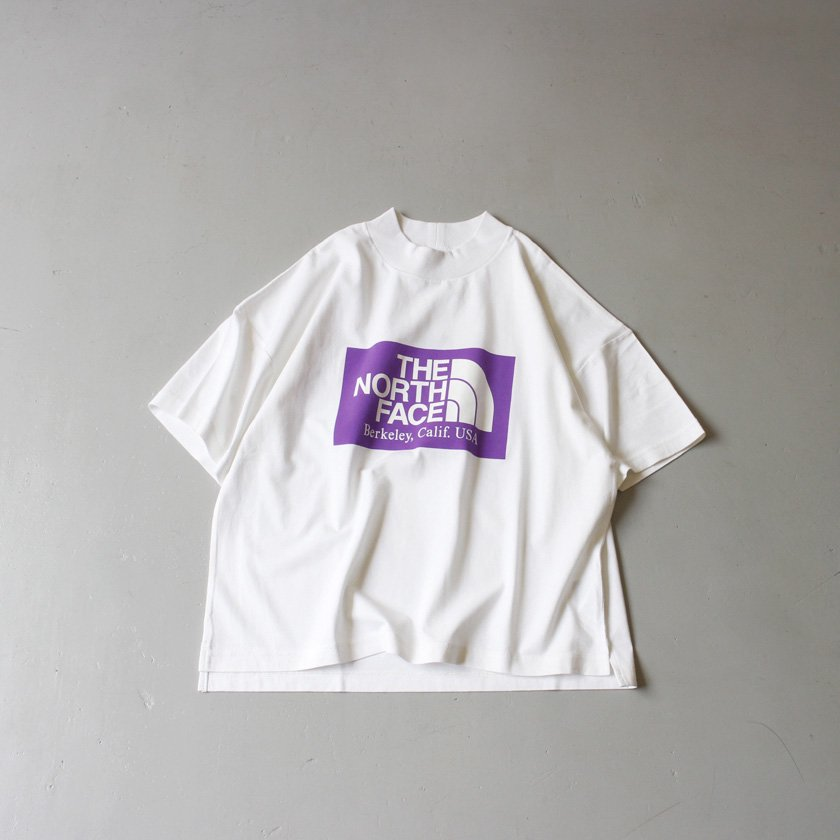 <img class='new_mark_img1' src='https://img.shop-pro.jp/img/new/icons6.gif' style='border:none;display:inline;margin:0px;padding:0px;width:auto;' />THE NORTH FACE PURPLE LABEL ハイバルキー ロゴプリント モックネックTシャツ