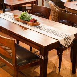 手織りイカットのテーブルランナー