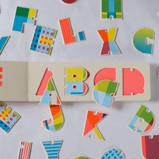 絵本「ABC ワードプレイ」クロニクルブックス