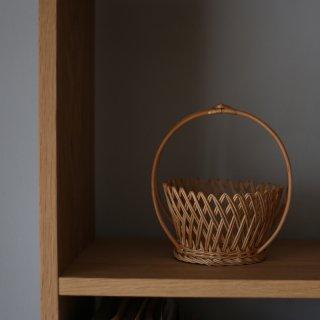 ラトビアの手仕事 ヤナギの小さな飾り編みバスケット