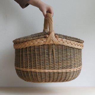 ラトビアの手仕事 ヤナギの蓋つきバスケット