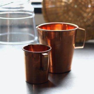 インドの銅のピッチャー