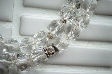 うっとりきれいなきらきら水晶のネックレス